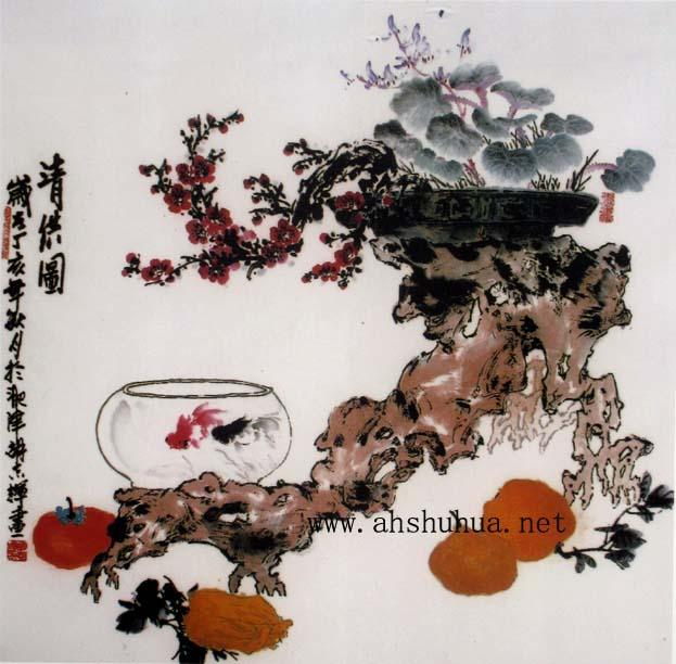 胡志辉,1939出生于上海,号鲮痴。1960年毕业于哈尔滨文艺学院, 后在著名画家孔小瑜先生门下,专攻小写意花鸟,以牡丹、藤科、果蔬等见长,尤以鲤鱼画著称,有江淮一条鱼之美誉!作品清新悦目,雅俗共赏。作品在美国,日本,韩国,深圳,香港等国家及地区的展览并被收藏。 现为安徽省美术家协会会员、安徽省诗书画研究会副会长(原逍遥津书画研究会常务副会长)、新安书画研究院一级画师。